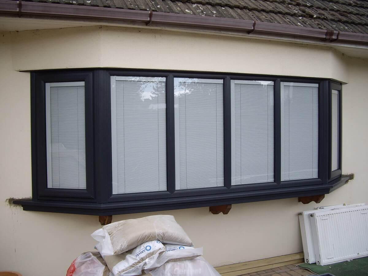 Bay Window with Integral Blinds
