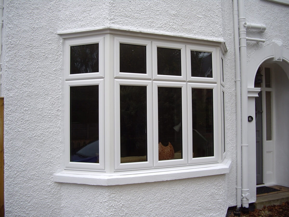 Bay window with dummy sashes