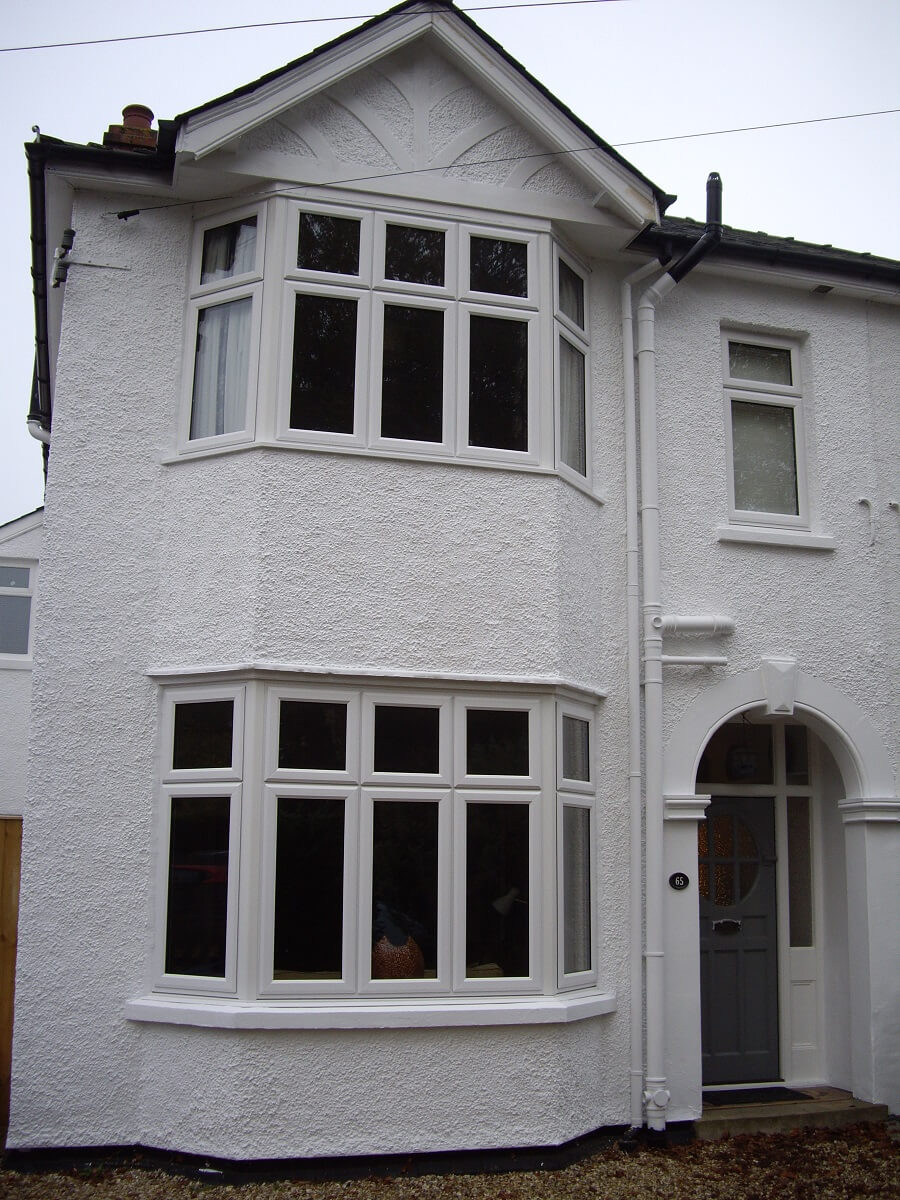 Bay windows with dummy sashes