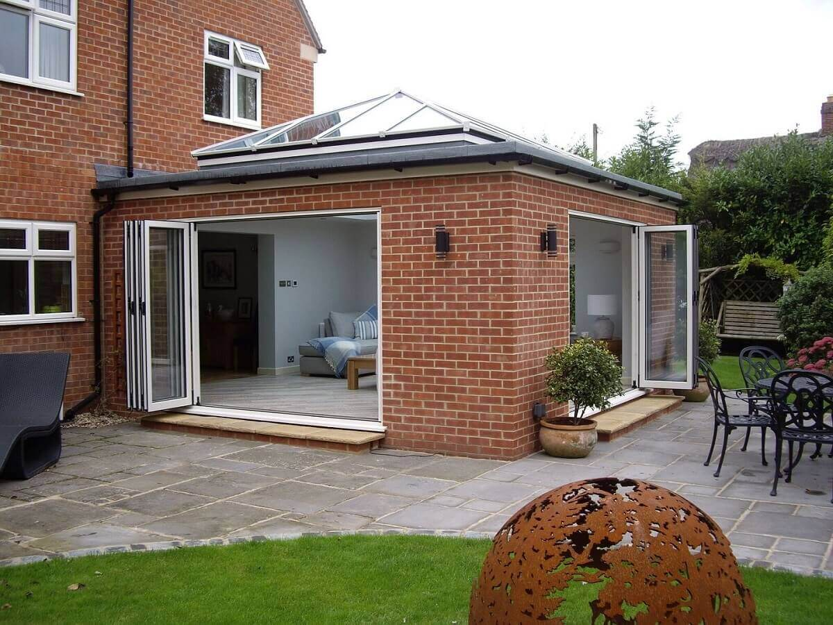 Dual aspect bi-folding doors with Atlas roof resized